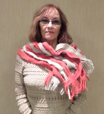 DoritaF - Deflected doubleweave scarf in coral and naturall wool